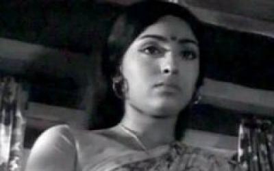 Aval Oru Thodar Kathai